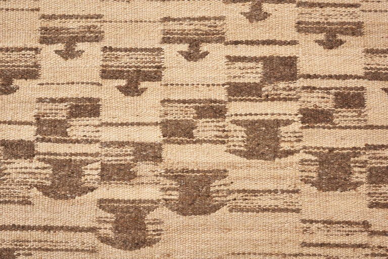 Tribal Schumacher Dorp Area Rug in Handwoven Wool, Patterson Flynn Martin For Sale