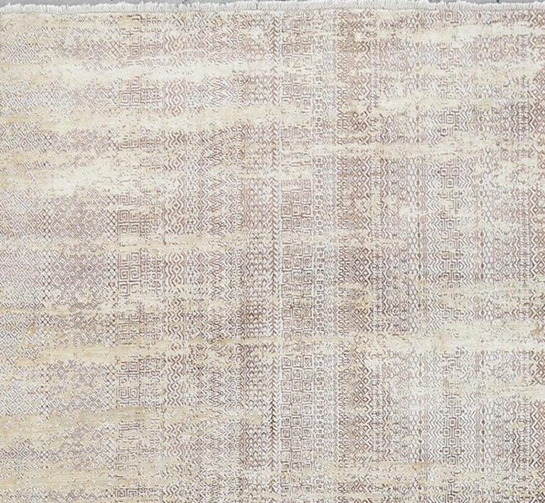 Modern Schumacher Fujisan Area Rug in Hand-Knotted Wool by Patterson Flynn Martin For Sale