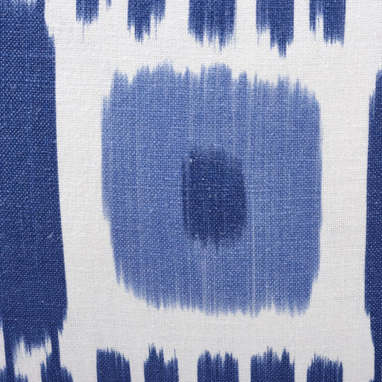 Schumacher Kandira Blues Two-Sided Linen Pillow In New Condition For Sale In New York, NY