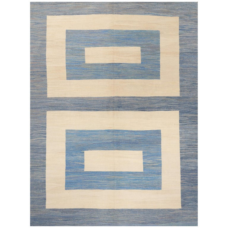 Schumacher Kilim Area Rug in Handwoven Wool, Patterson Flynn Martin For Sale