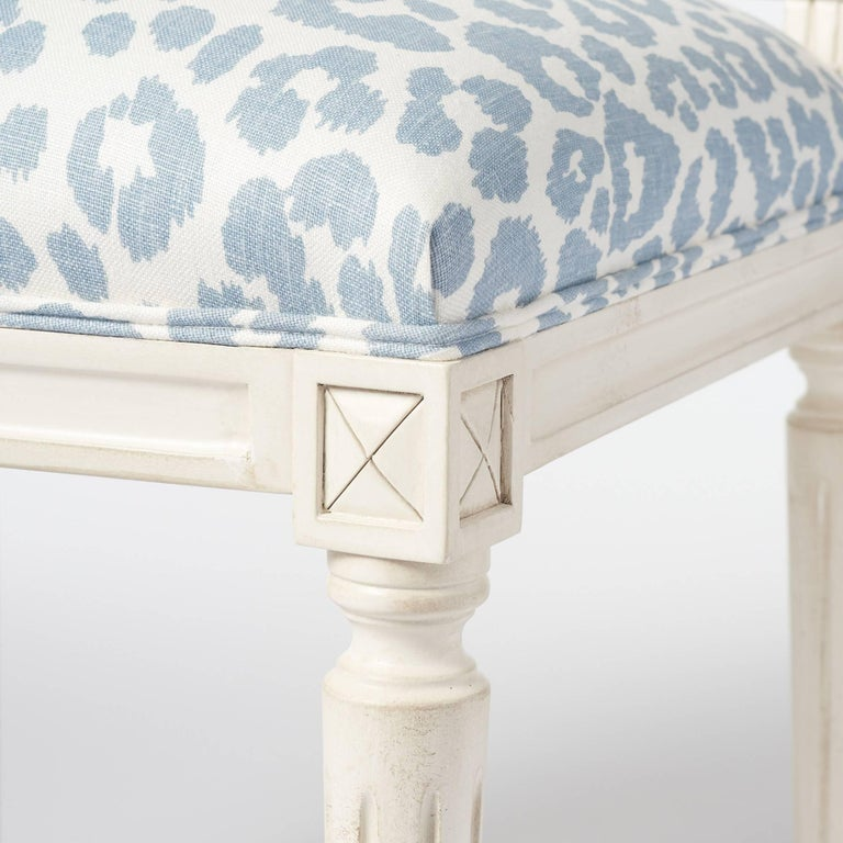 Schumacher Marie Therese Iconic Leopard Blue Hand-Carved Beechwood Side Chair  For Sale 5