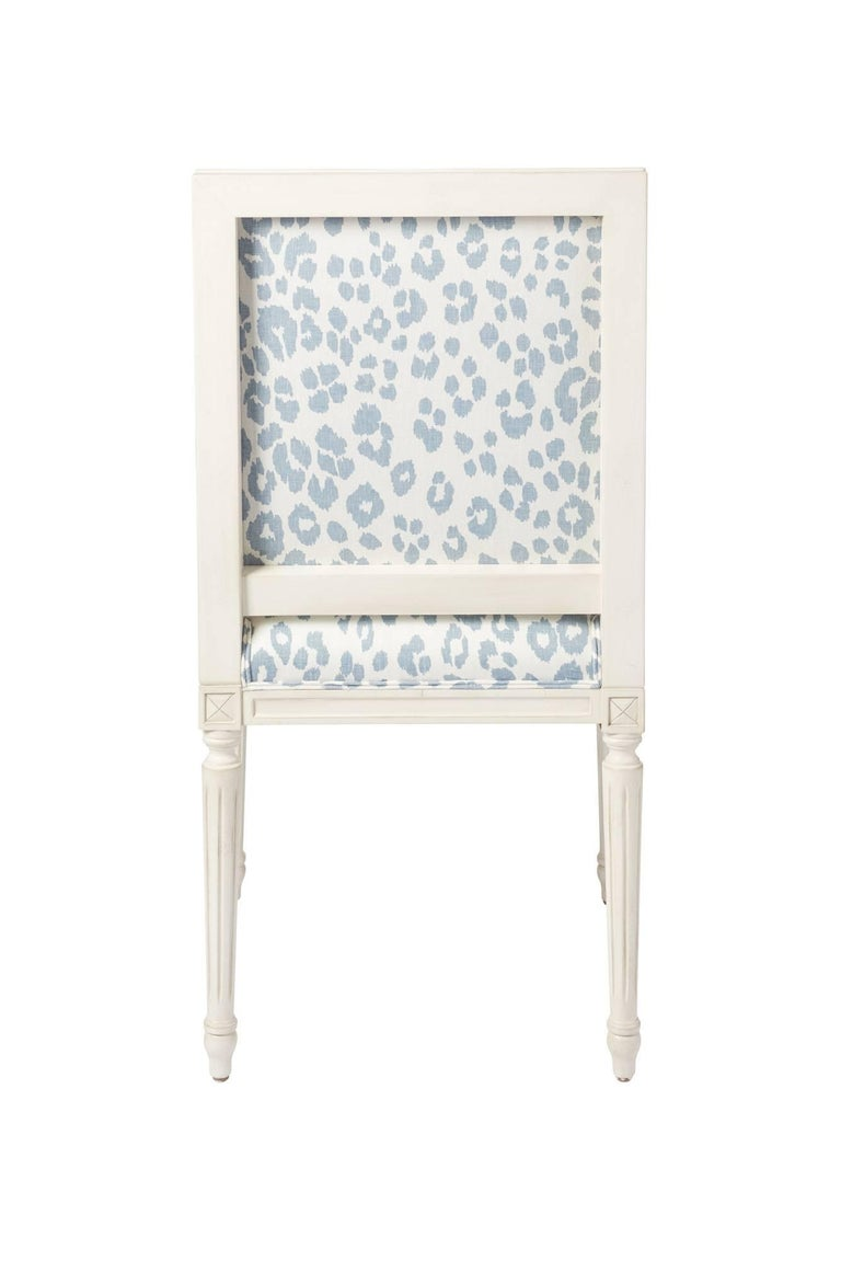 Schumacher Marie Therese Iconic Leopard Blue Hand-Carved Beechwood Side Chair  In New Condition For Sale In New York, NY