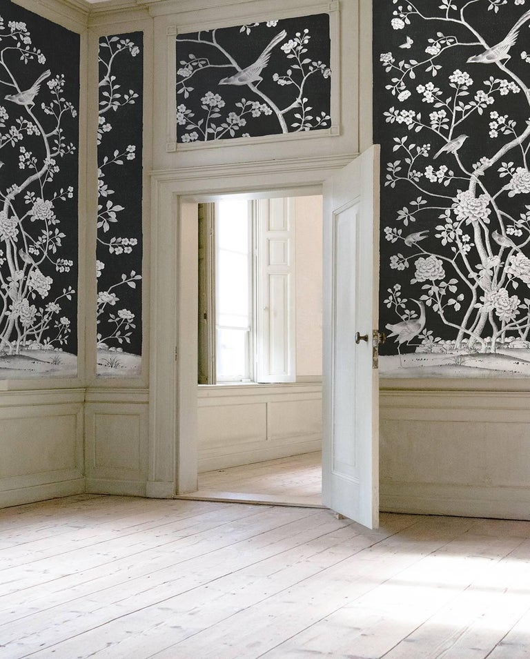 Schumacher Mary McDonald Chinois Palais Floral Noir Wallpaper Panel In New Condition For Sale In New York, NY