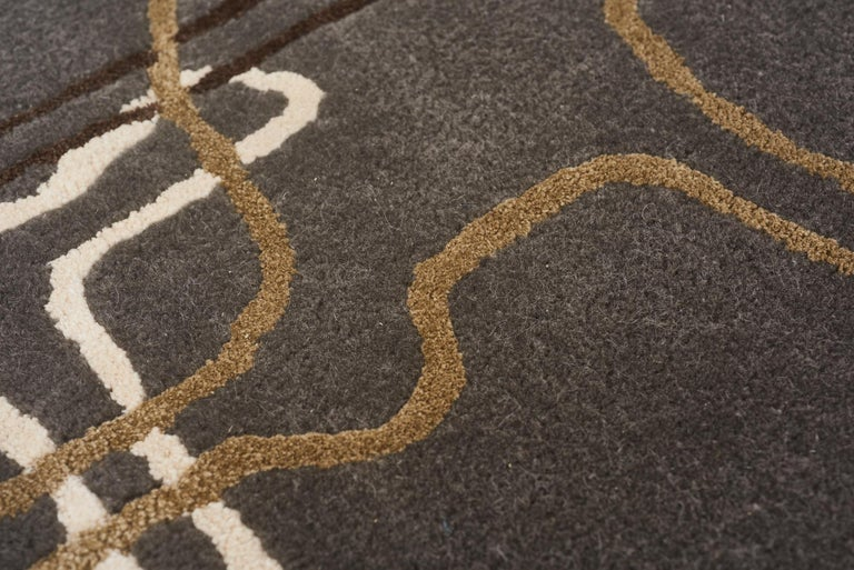 Schumacher Movement Abstract Area Rug in Wool Silk, Patterson Flynn Martin In New Condition For Sale In New York, NY