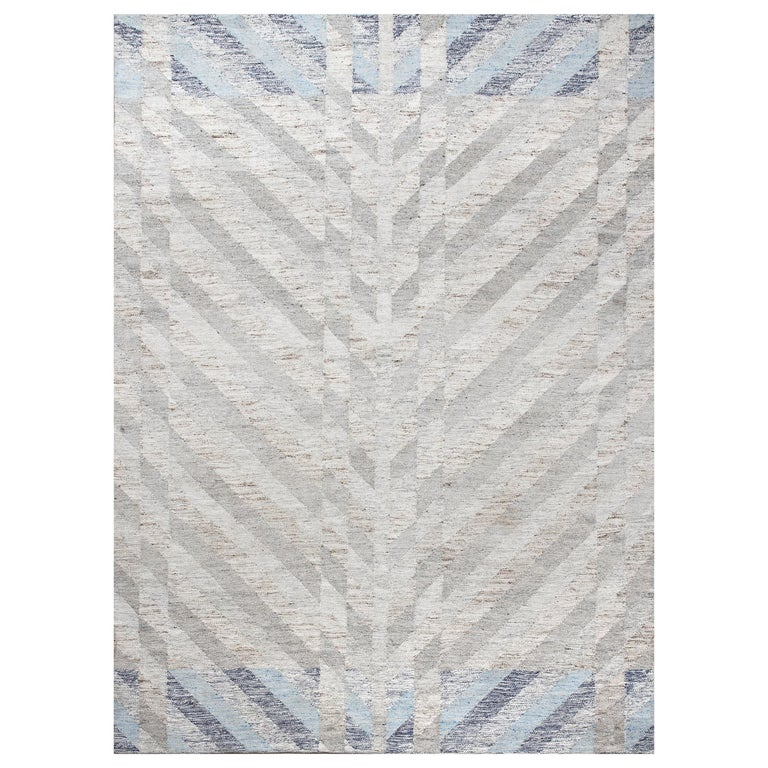 Schumacher Narvaro Area Rug in Handwoven Wool, Patterson Flynn Martin For Sale