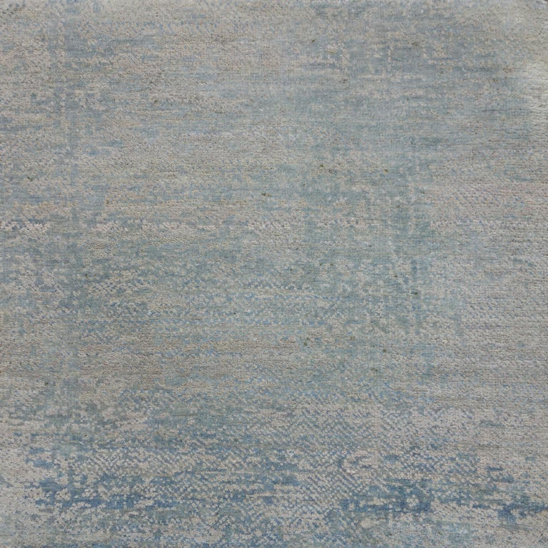This series of transitional carpets takes inspiration from the old embroideries, motifs and designs of the oriental world, spreading from Turkey to Japan. The designs reinterpret traditional motifs with an exceptionally contemporary aesthetic.