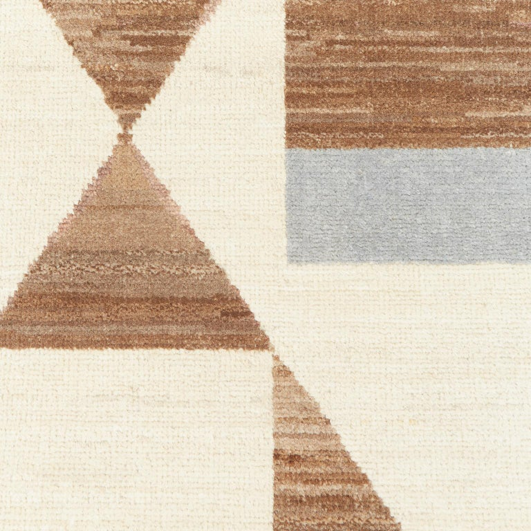 Modern Schumacher Tenaya Area Rug in Hand-Knotted Wool by Patterson Flynn Martin For Sale