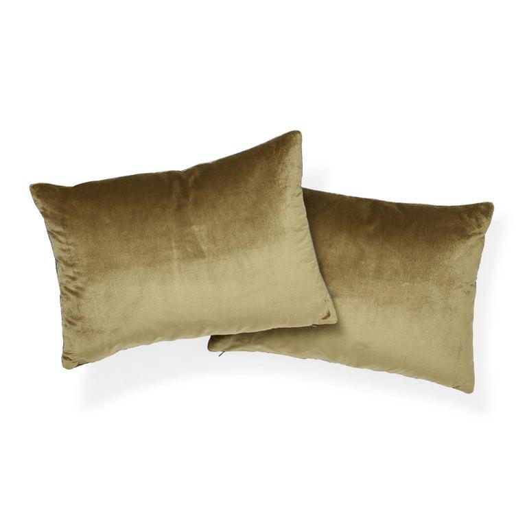 Schumacher Venetian Silk Velvet Hazel Lumbar Pillow In New Condition For Sale In New York, NY