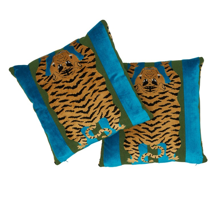 Schumacher x Johnson Hartig Jokhang Tiger Velvet Peacock Olive Two-Sided Pillow In New Condition For Sale In New York, NY