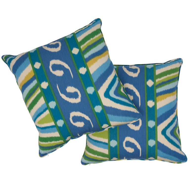 Schumacher x Johnson Hartig Terence Ikat Peacock Cotton Two-Sided Pillow In New Condition For Sale In New York, NY