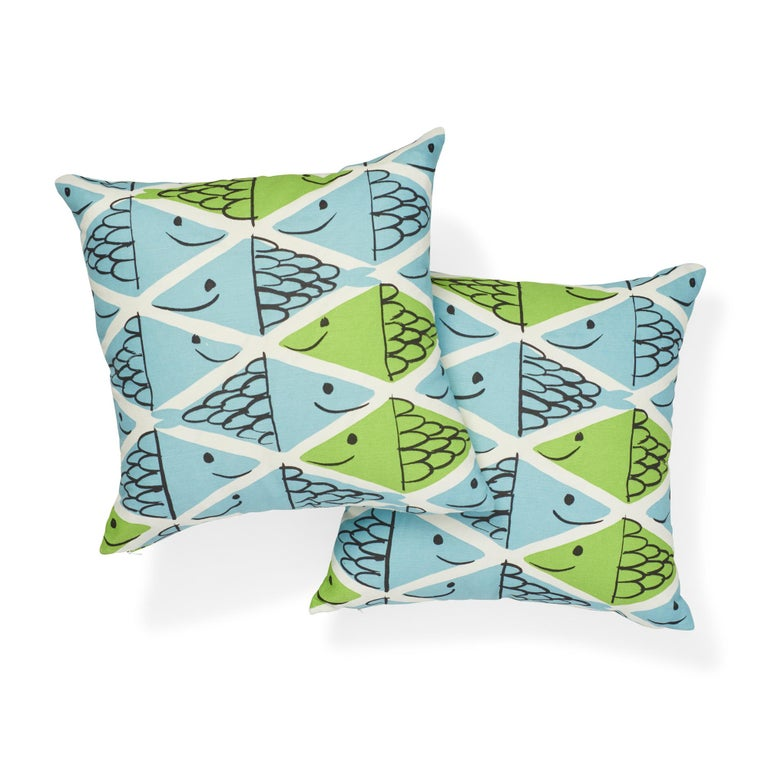 Schumacher x Vera Neumann Fish School Aqua & Leaf Two-Sided Cotton Linen Pillow In New Condition For Sale In New York, NY