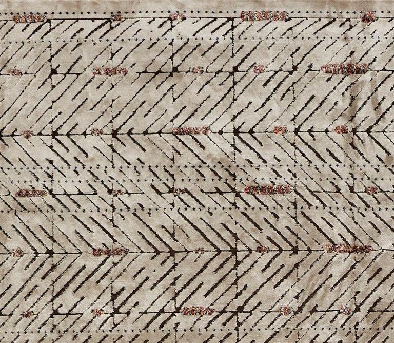 Modern Schumacher Yorubu Area Rug in Hand-Woven Wool & Silk by Patterson Flynn Martin For Sale