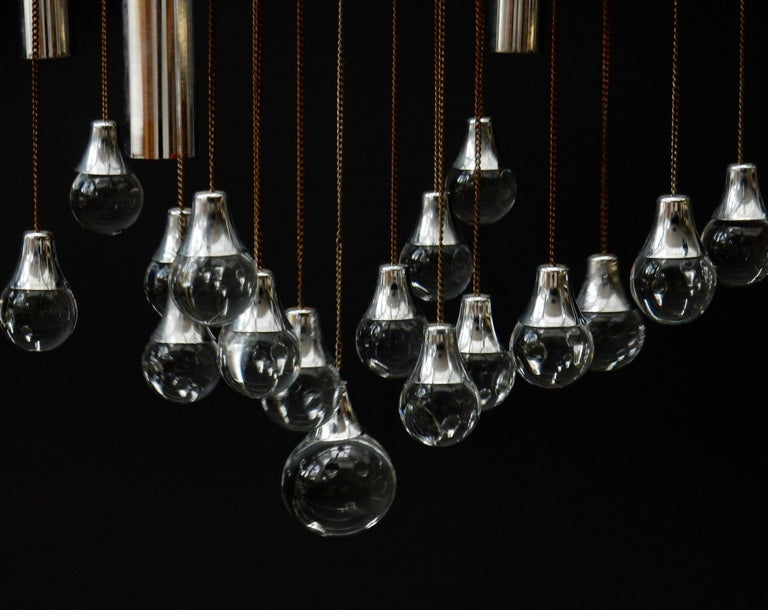Italian Sciolari Chandelier with Clear Glass Globes For Sale