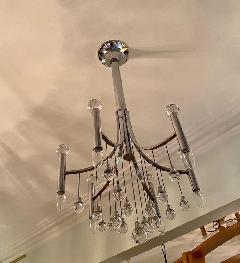 Mid-20th Century Sciolari Chandelier with Clear Glass Globes For Sale