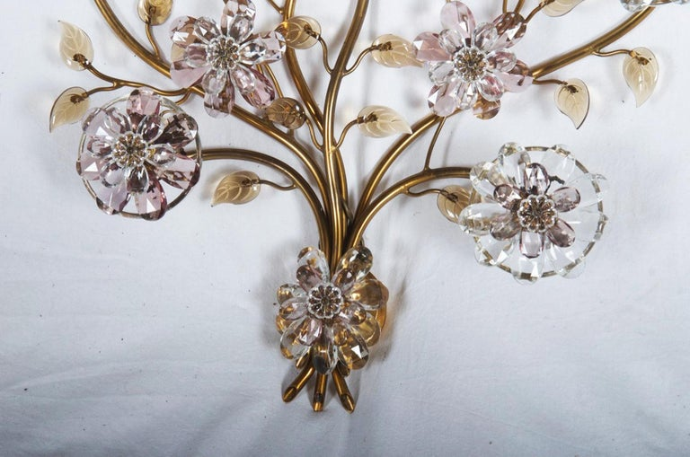 Sconce with Glass Flowers by Lobmeyr  In Excellent Condition For Sale In Vienna, AT