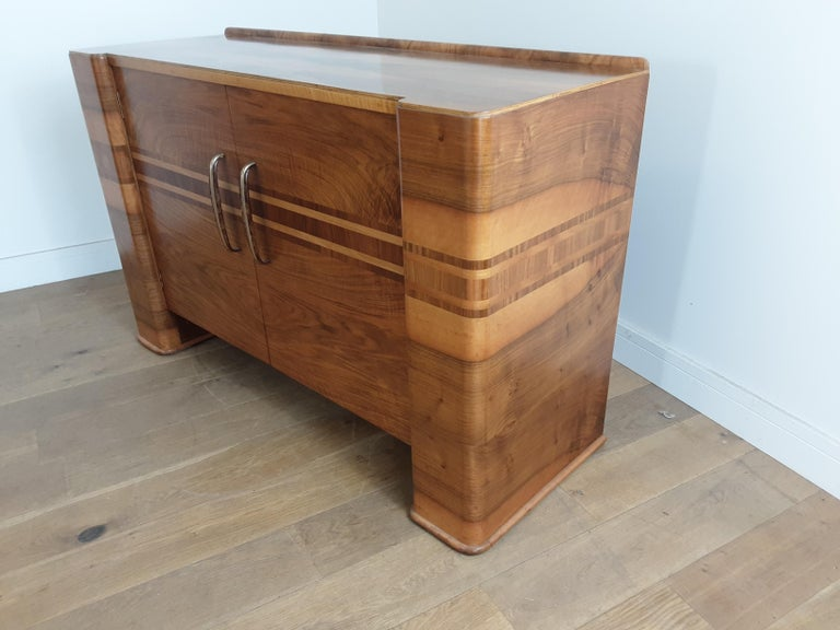 20th Century Scottish Art Deco Sideboard in a Golden Brown Walnut with a Modernist Design For Sale