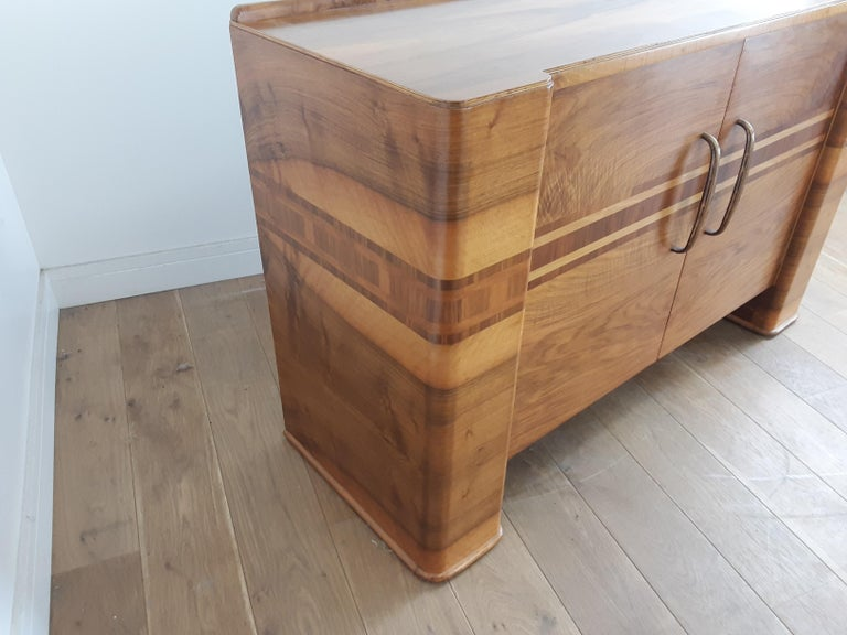 Scottish Art Deco Sideboard in a Golden Brown Walnut with a Modernist Design For Sale 1