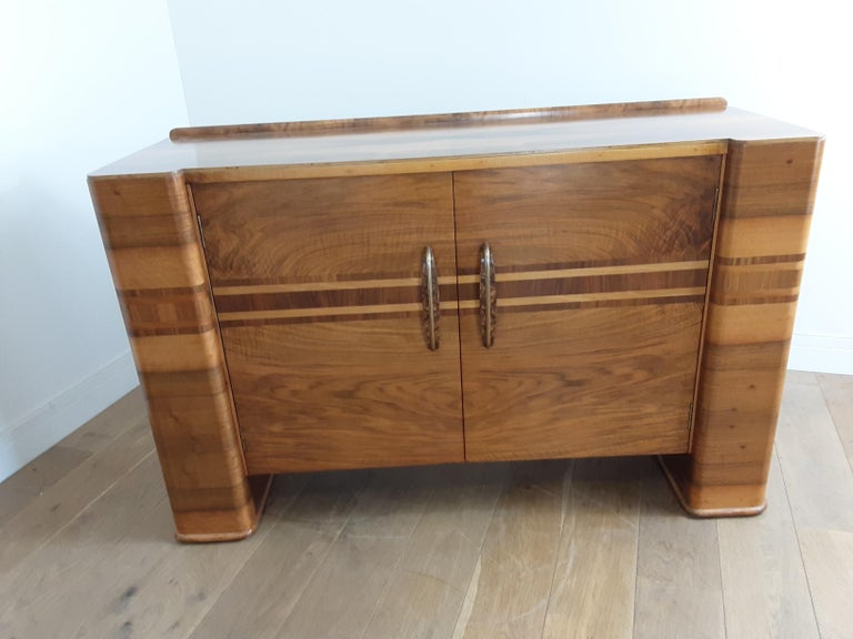 Scottish Art Deco Sideboard in a Golden Brown Walnut with a Modernist Design For Sale 4