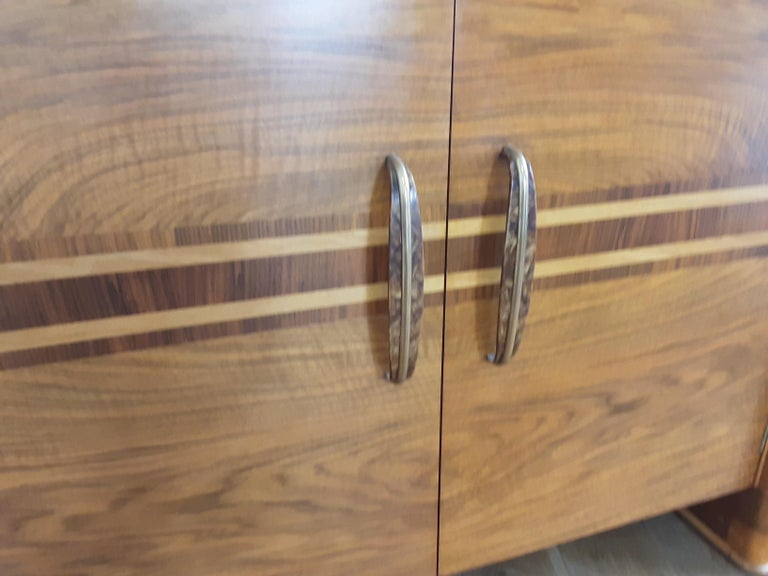 Scottish Art Deco Sideboard in a Golden Brown Walnut with a Modernist Design For Sale 5