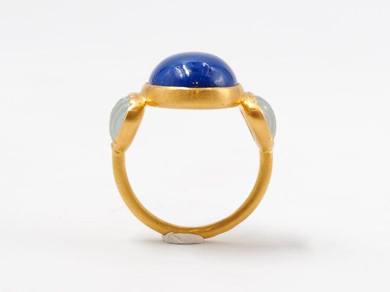 Scrives 10.41 Carat Lapis Lazuli Cabochon Aquamarine Shell 22 Karat Gold Ring For Sale 1
