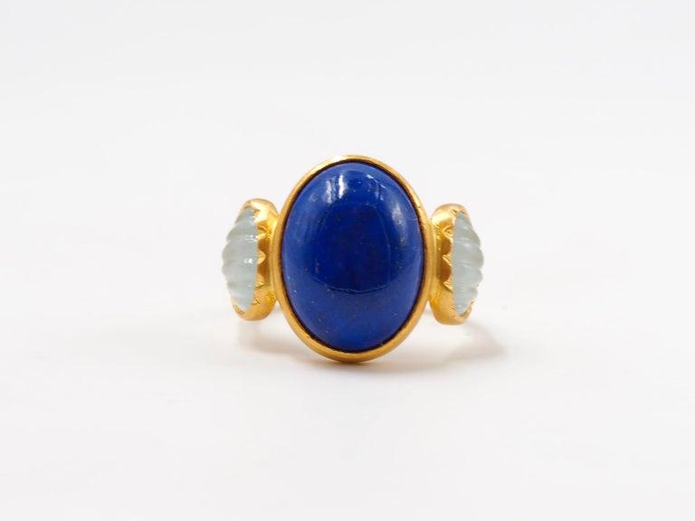 Scrives 10.41 Carat Lapis Lazuli Cabochon Aquamarine Shell 22 Karat Gold Ring For Sale 2