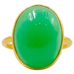 Scrives 11.25 Carat Chrysoprase 'Green Chalcedony' Cabochon 22 Karat Gold Ring