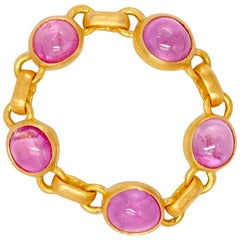 Scrives 3.4 Carat Hot Pink Sapphire Cabochon 22 Karat Gold Chain Ring