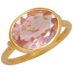 Scrives 3.65 Carat Morganite and Diamonds 22 Karat Gold Ring