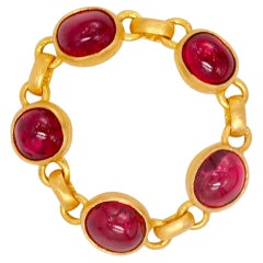4.25 Carat Red Spinel Cabochon 22 Karat Gold Chain Ring