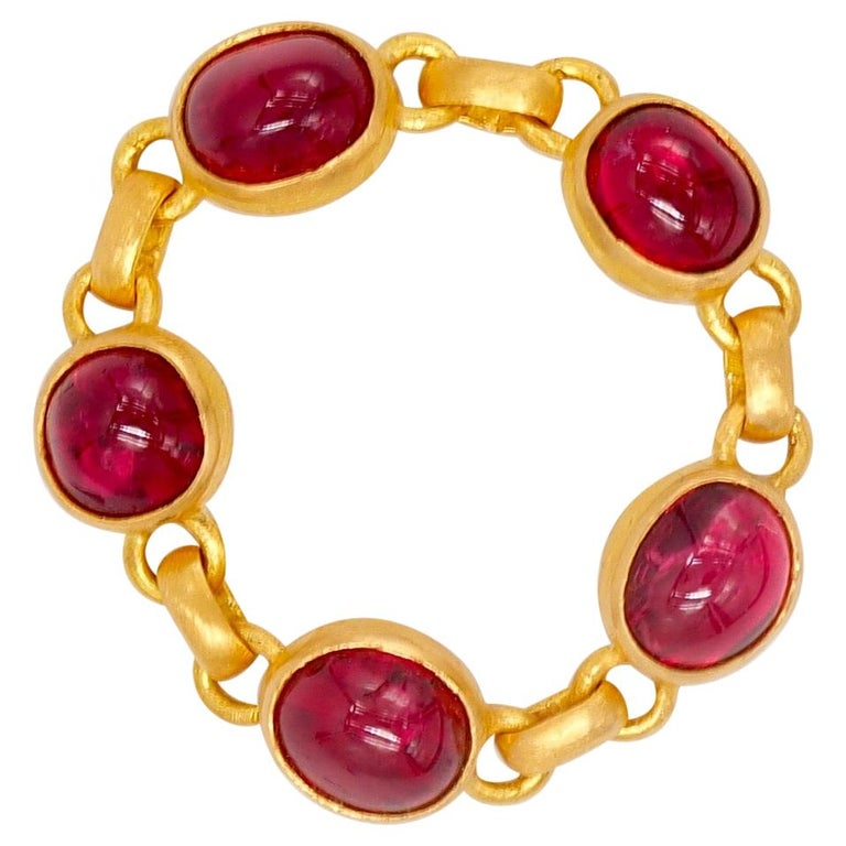 4.25 Carat Red Spinel Cabochon 22 Karat Gold Chain Ring For Sale