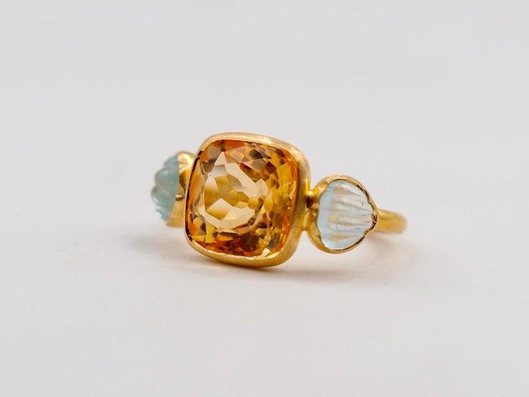 Contemporary Scrives 4.53 Carat Citrine Aquamarine Shell 22 Karat Gold Ring For Sale