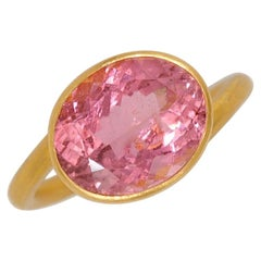 Scrives 4.74 Carat Pink Tourmaline 22 Karat Gold Ring