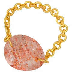Scrives 4.83 Carat Sunstone Faceted 22 Karat Gold Chain Ring