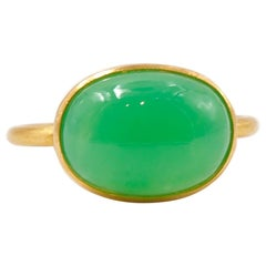 Scrives 5.93 Carat Chrysoprase 'Green Chalcedony' Cabochon 22 Karat Gold Ring