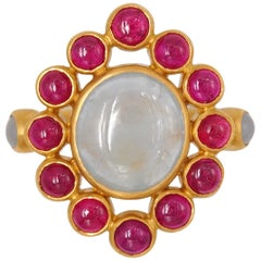 Scrives 6.7 Carat Grey Sapphire Ruby Jade Cabochon 22 Karat Gold Cocktail Ring