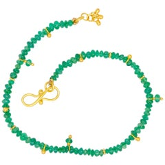 Scrives 9 Carat Emerald Beads 22 Karat Gold Bracelet