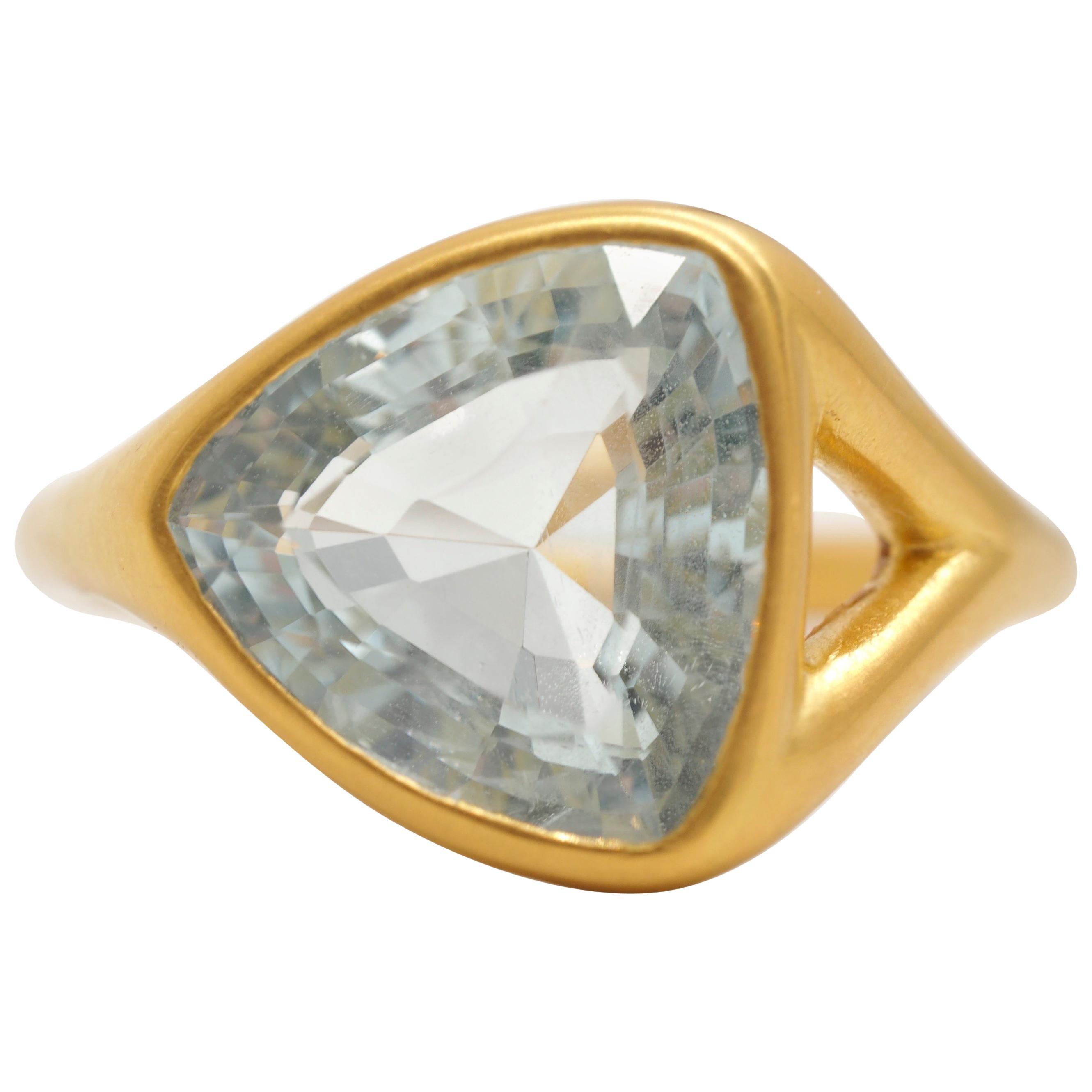 Scrives Aquamarine 22 Karat Gold Cocktail Ring