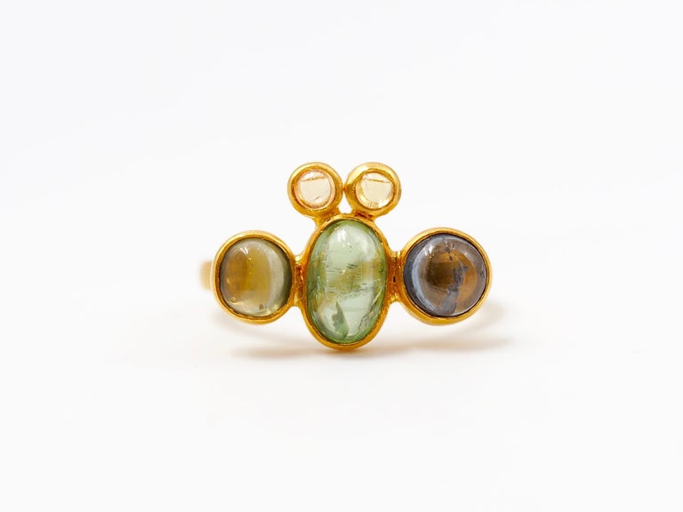Contemporary Scrives Bee Tourmaline Sapphire Cabochon 22 Karat Gold Ring For Sale