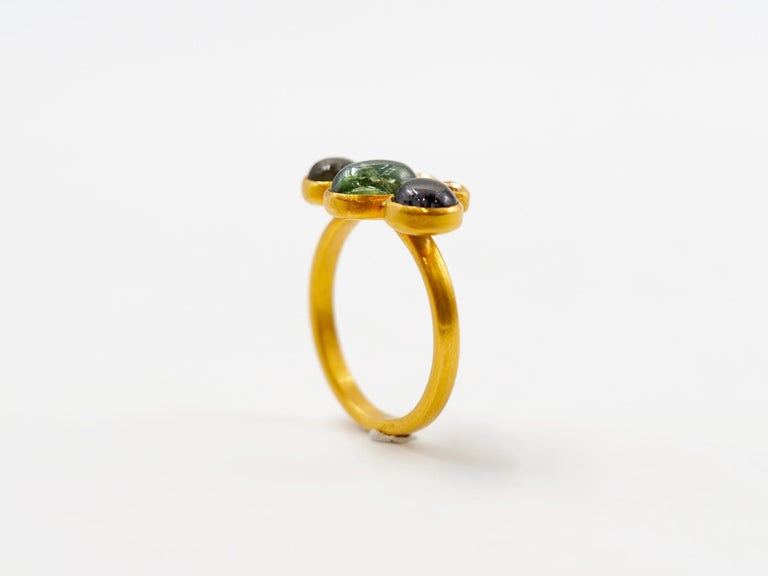 Scrives Bee Tourmaline Sapphire Cabochon 22 Karat Gold Ring In New Condition For Sale In Paris, Paris