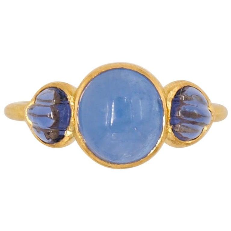 Scrives Blue Hackmanite Cabochon Iolite Shell 22 Karat Gold Ring For Sale
