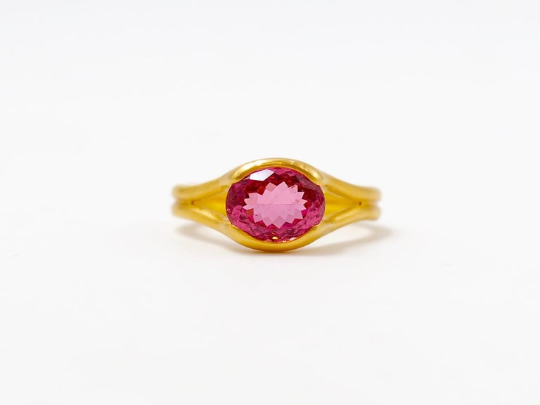 Contemporary Scrives Hot Pink Tourmaline 22 Karat Gold Ring For Sale