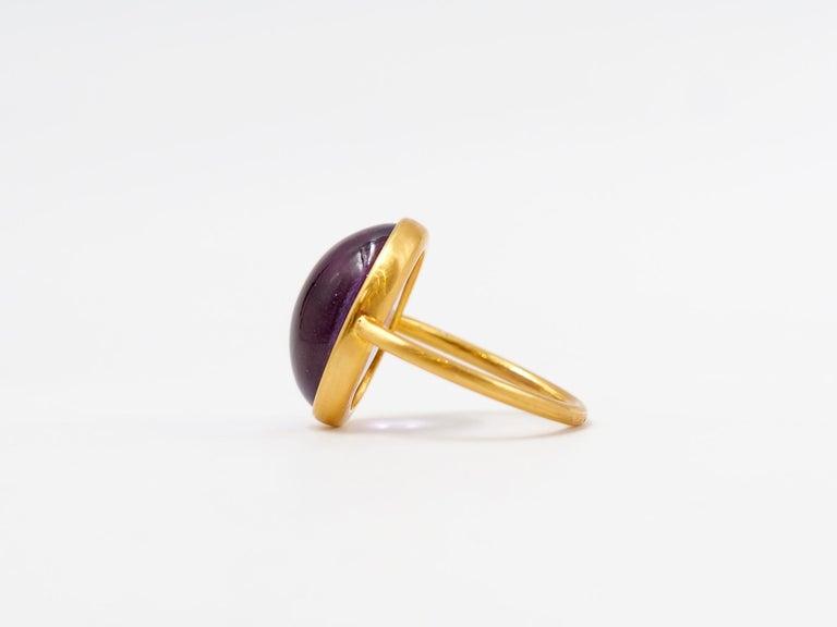 Oval Cut Scrives Light Amethyst Cabochon 22 Karat Gold Ring For Sale