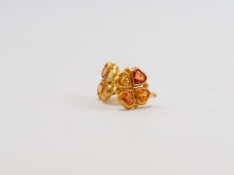 Contemporary Scrives Orange Yellow Heart Sapphires 22 Karat Gold Stud Earrings For Sale