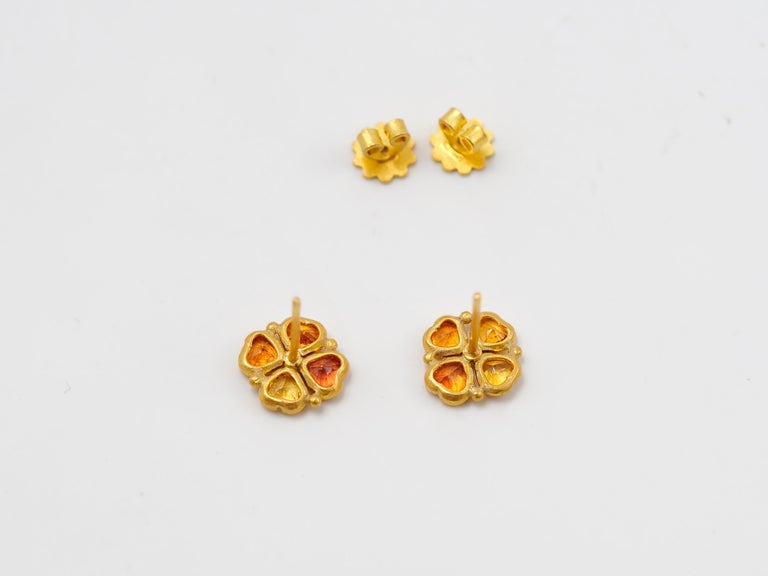 Scrives Orange Yellow Heart Sapphires 22 Karat Gold Stud Earrings In New Condition For Sale In Paris, Paris