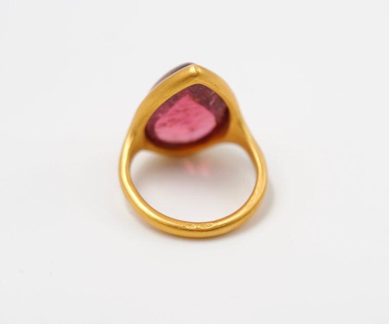 Women's or Men's Scrives Pink-Red Cabochon Tourmaline 22 Karat Gold Ring For Sale