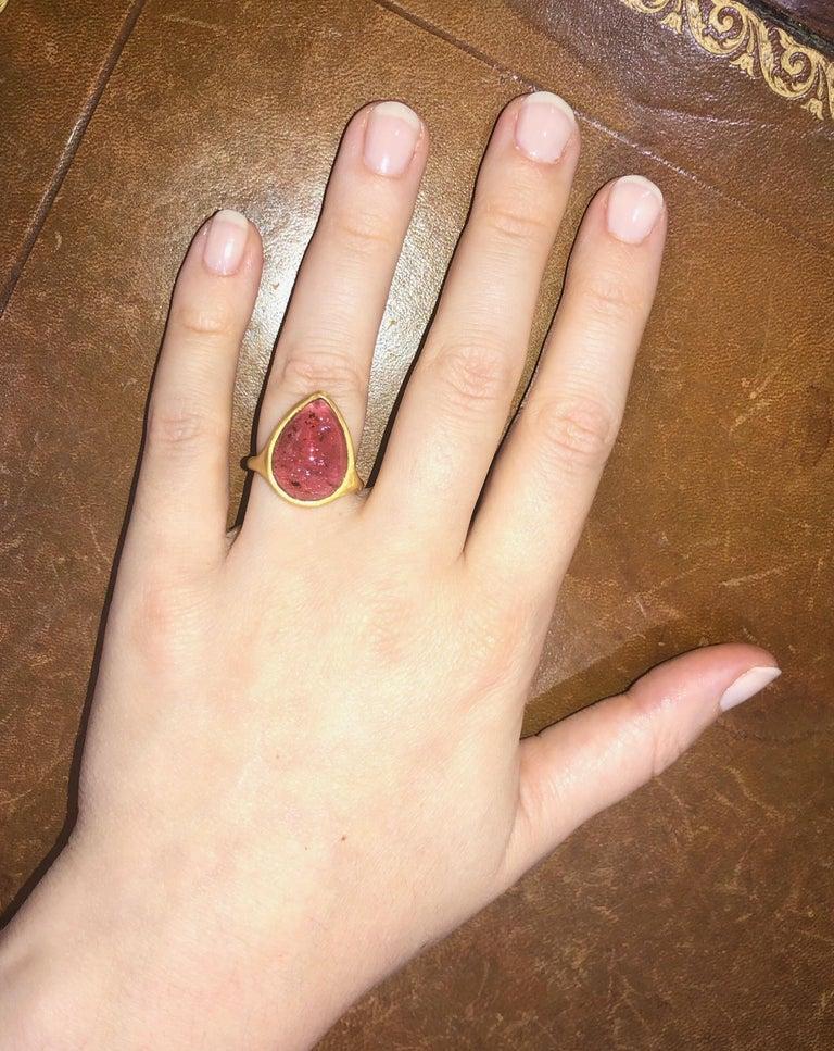 Scrives Pink-Red Cabochon Tourmaline 22 Karat Gold Ring For Sale 1