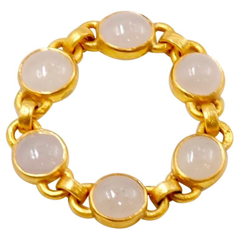 Scrives White Jade Cabochon 22 Karat Gold Chain Ring