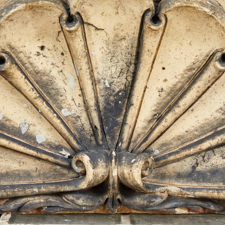 Scrolled Fan Terracotta Overdoor from Late 19th Century, England In Good Condition For Sale In Los Angeles, CA