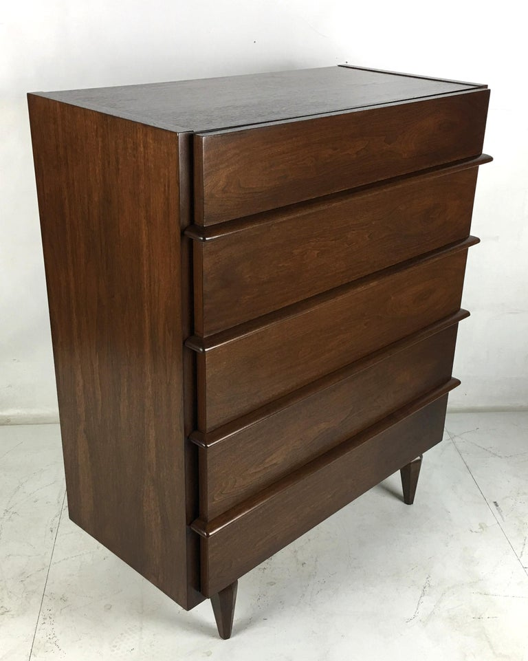 Sculpted Dimensional Front Walnut Dresser by Merton Gershun In Excellent Condition For Sale In San Leandro, CA