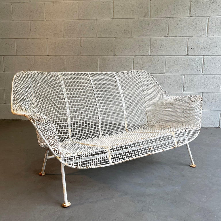 Sculptura Patio Loveseat Sofa by Russell Woodard In Good Condition For Sale In Brooklyn, NY